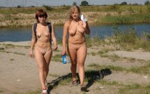 nude-walk